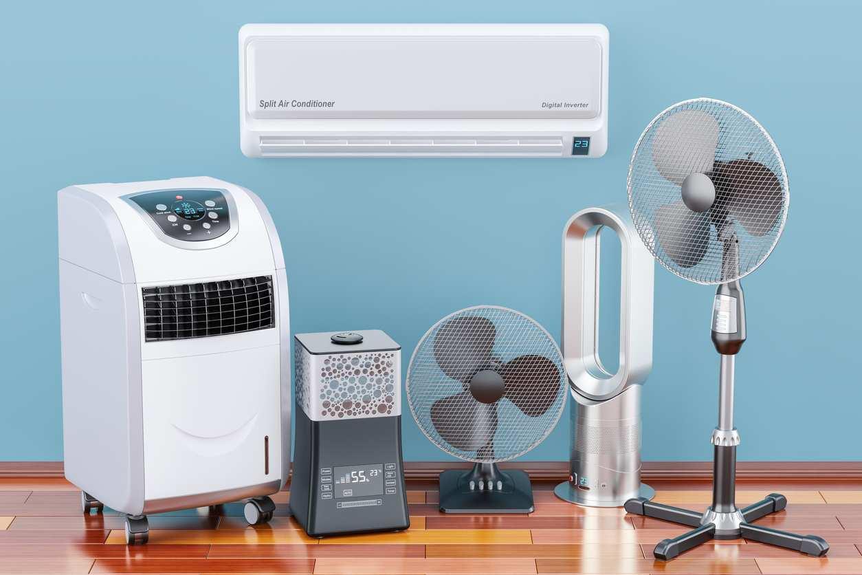 un ventilateur et un climatiseur